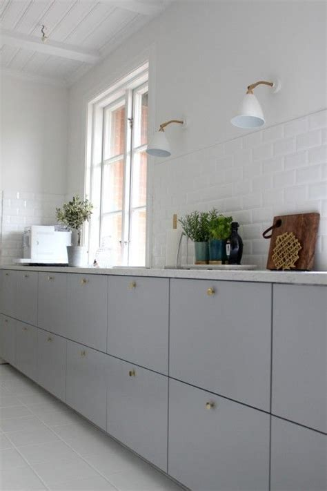 Ikea Küchenfronten Veddinge by Ikea Metod Veddinge Grey Cabinet Doors With Brass Door