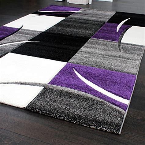 tapis de cr 233 ateur aux contours d 233 coup 233 s 224 carreaux en violet noir