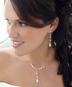 strapless wedding dress jewelry stylosscom With wedding necklaces for strapless dresses