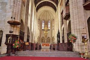 the altar of St. George's Cathedral - Picture of St ...