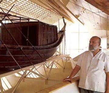 pyramid  khufu  giza  egypt khufus boats