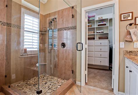 Walk In Closet Layout Ideas, Master Bathroom And Closet