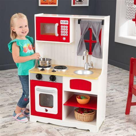 cuisine en bois pour fille cuisine pour enfant en bois coccinelle rêves