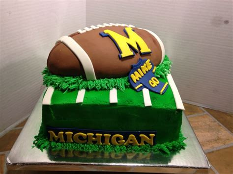pin michigan wolverines logo cake birthday cakes cake