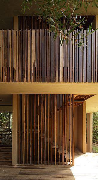 pisos plenilunio fachada r 250 stica de plenilunio en tonos tierra con pisos