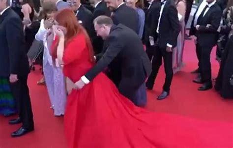 Šo video grib redzēt visi - Krievijas modeles negadījums ...