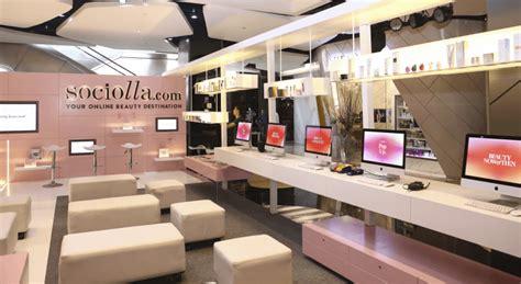 gmv growth   year  indonesian cosmetics  tailer