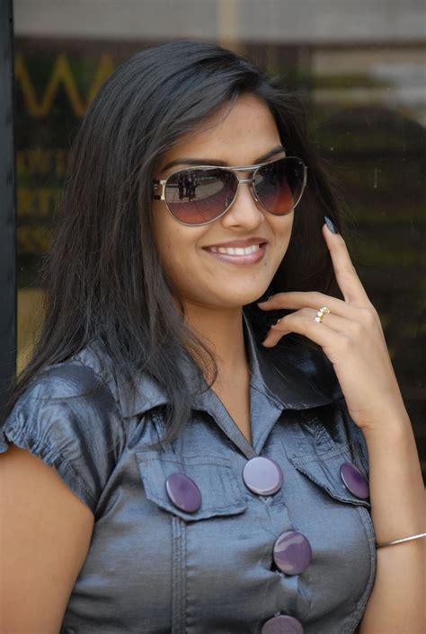 Telugu Actress Prakruthi New Photo Gallery Actress Shots