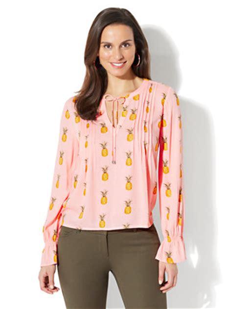 pineapple blouse ny c pleated peasant blouse pineapple print