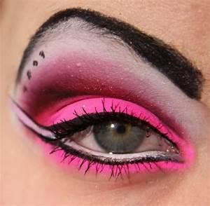 FASHION DESIGN Neon eye makeup Neon eyeshadow