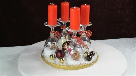 adventskranz ideen weihnachtsdeko mit weinglaesern