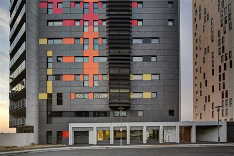 Silk Apartments / Tony Caro Architecture   ArchDaily