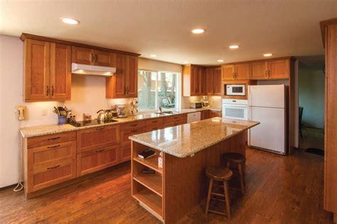 couleur de peinture pour cuisine cuisine couleur bois jeux de couleurs brun de cuisine