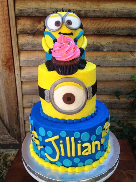 The following minions cake designs are officially selected by best cake design team, which looks stunning and can be made during ceremonial occasions, such as weddings, anniversaries, and. Minion Birthday Cake! - CakeCentral.com