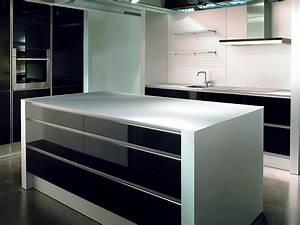 Küchen Mit Glasfront : inselk che und hochschr nke aus glas schwarz lackiert und wei satiniert ~ Watch28wear.com Haus und Dekorationen