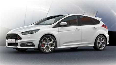 Ford Focus ST In Frozen White   Ford FR