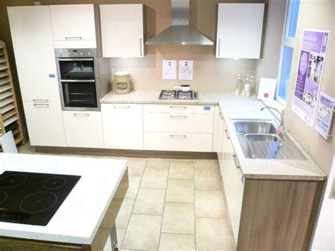 ex display designer kitchens ex display kitchen and appliances for dewhirst kitchens 7094