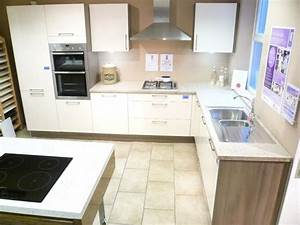 Ex display kitchen and appliances for sale dewhirst kitchens for Kitchen furniture uk sale
