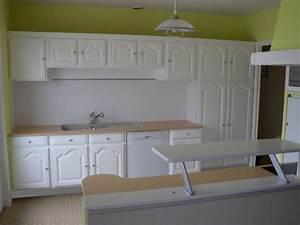 relooker sa cuisine repeindre les placards With repeindre un escalier en blanc 15 relooker une cuisine rustique en chene le bois chez vous