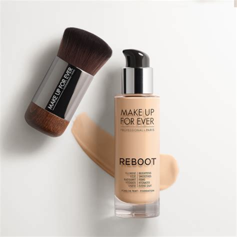 MAKE UP FOR EVER Reboot Foundation + Free Post
