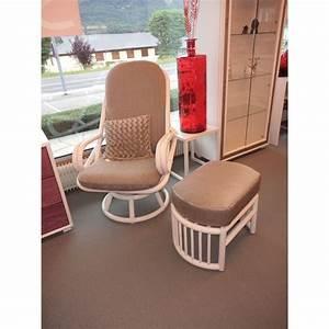 Fauteuil Haut Dossier : fauteuil en rotin pivotant haut dossier ~ Teatrodelosmanantiales.com Idées de Décoration