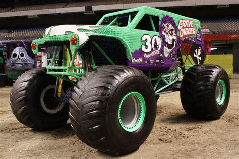 grave digger 30th anniversary monster truck toy grave digger monster truck 30th anniversary www imgkid