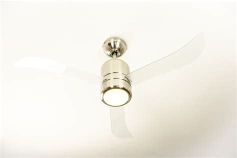 ventilateur de plafond loft 112 cm avec 233 clairage bloc moteur nickel et p 226 les translucides