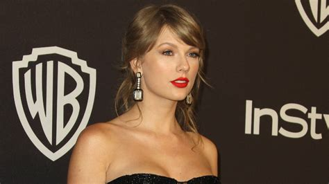 Taylor Swift thanks fans for making Fearless (Taylor's ...