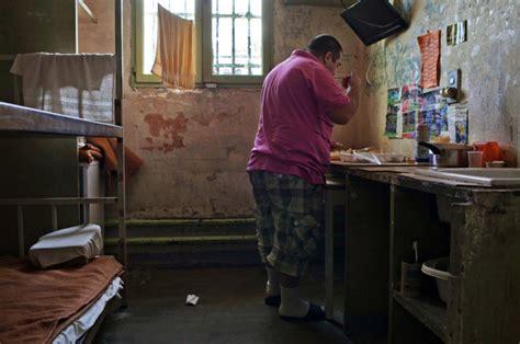 horaire femme de chambre prison des baumettes à marseille une situation