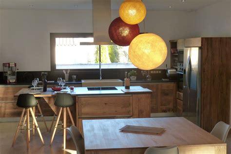cuisine bois massif contemporaine cuisine contemporaine en bois massif à arles atelier