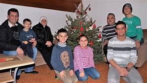 Wie Wird Ein Spiegel Hergestellt : nach flucht ber das mittelmeer syrische familie feiert weihnachten in bissendorf ~ Bigdaddyawards.com Haus und Dekorationen