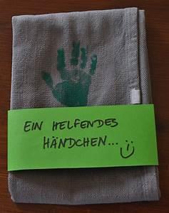 Geschenke Für Oma Basteln : geschirrtuch mit handabdruck f r oma opa geschenke ideen diy gifts diy gifts for kids ~ One.caynefoto.club Haus und Dekorationen