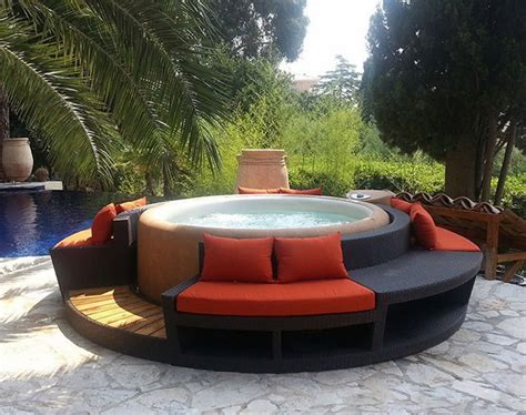 Softub Whirlpool Forum by Softub A Convenient Portable Spa For Your Outdoor Space