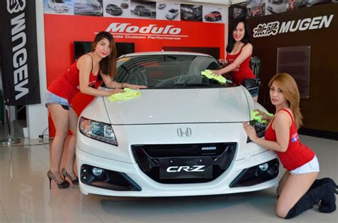 pretty honda greenhills sales associates