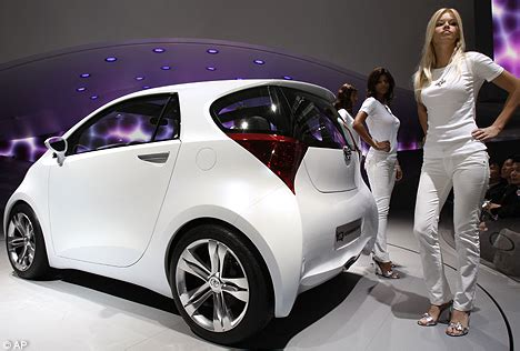 Smallest Toyota Car by World S Smallest Four Seater Car Takes Centre Stage