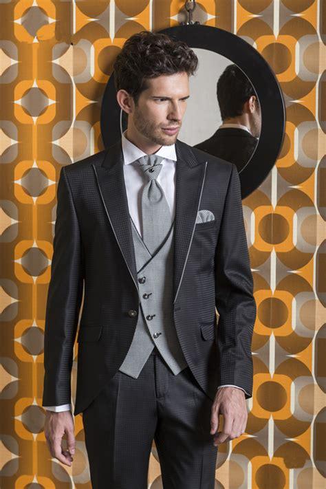 Scopri l'abbigliamento da cerimonia da uomo su asos. Abiti cerimonia uomo Roma eleganti