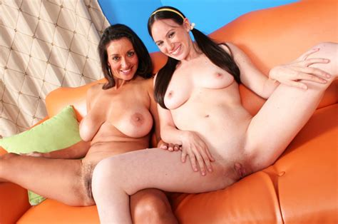 Naked Onia Nevaeh In Fuck My Mom And Me 10