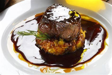 cours de cuisine gastronomique lyon recette de filet mignon de porc laqué au miel de soja