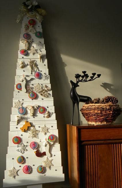 diy alternative christmas trees adding fun wall