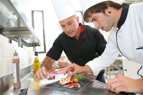 salaire chef de cuisine devenir cuisinier salaires formation cap cuisine fiche m 233 tier