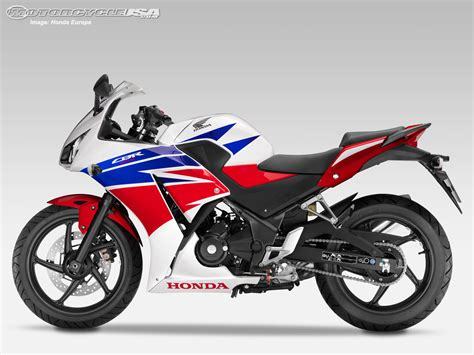 superbike honda cbr 2014 honda cbr300r first look photos motorcycle usa