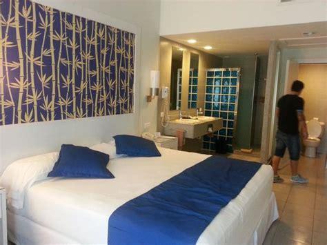 Riu Bambu Family Room   Marceladick.com