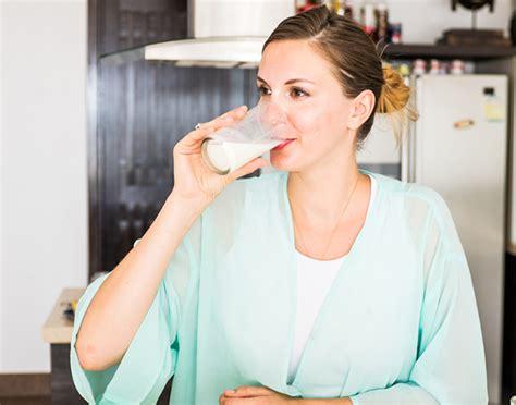 alimenti favoriscono la produzione di latte materno cosa succede se bevo il latte con l influenza e il