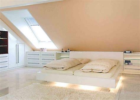 Schlafzimmer Mit Dachschräge Gestalten by Wohnideen Schlafzimmer Dachschr 228 Ge