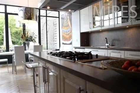 baie de cuisine cuisine taupe et baie vitrée rêve de cuisine dans une