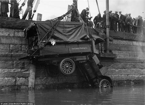 Autos Crashten Hard Tussen 1920 En 1940 Gallery