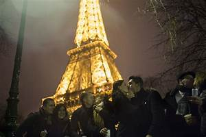 Eve Paris : paris new year 39 s eve 2016 live stream how to watch france 39 s eiffel tower online ~ Buech-reservation.com Haus und Dekorationen
