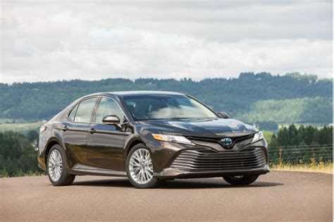 Compare Hybrid Cars by 2018 Toyota Camry Hybrid Vs 2018 Honda Accord Hybrid