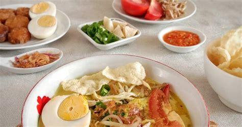 Pada resep kali ini, resepkuerenyah ingin membagikan salah satu resep soto yang sangat populer di indonesia, yakni soto lamongan. 1.485 resep soto ayam santan enak dan sederhana ala rumahan - Cookpad