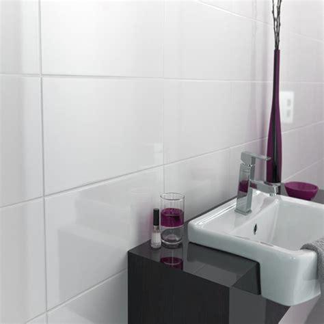Matt Or Gloss Bathroom Tiles by Johnsons Tnd1a Tundra White Gloss Field Ceramic 360x275x10mm